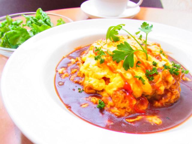 横浜本牧の人気カフェ Duocafe 今週のスペシャルランチ デュオオムライス