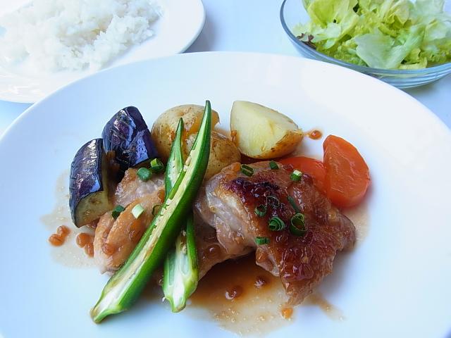 本牧 カフェ duocafe スペシャルランチ 鶏肉のもろみ味噌焼き温野菜添え