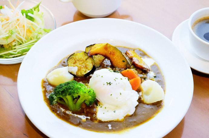 横浜 本牧のカフェ duocafe ランチ ベジタブルキーマカレー