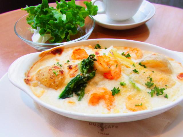 横浜 人気カフェ duocafe 今週のスペシャルランチ エビと春野菜のクリームドリア