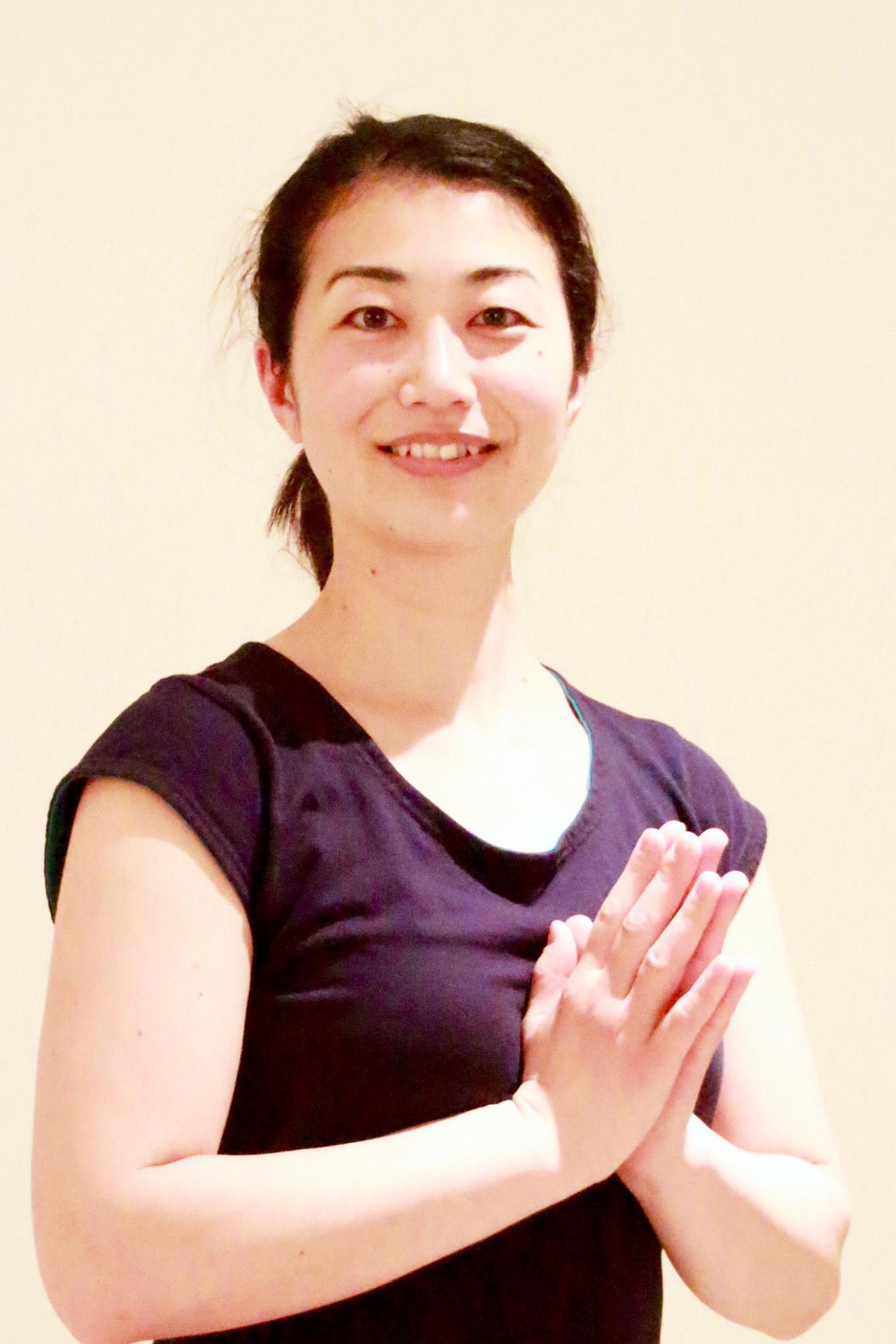 mslash yoga インストラクター naoko